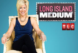 What is Long Island Medium about?